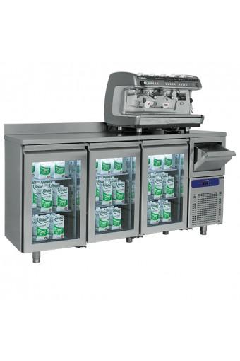 Tavolo refrigerato a 3 porte in vetro GN1/1 con tramoggia battifondi e alzatina, -2°/+8°C